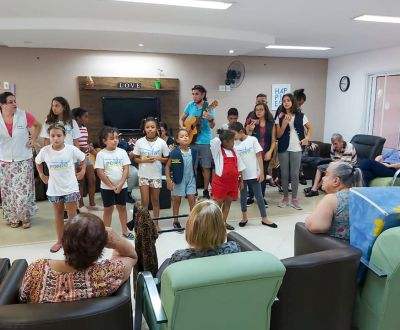 Musicoterapia com visitas-2
